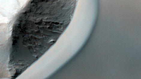 Photo of the Mars surface, Made with HiRise Camera. (Credit: NASA JPL/University of Arizona)