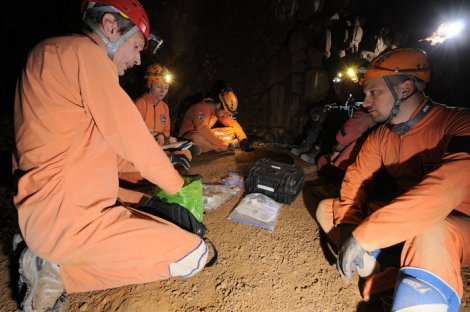 Astronauts will be working together, deep underground. (Credit: ESA—A. Romeo)