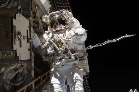 NASA astronaut Steve Swanson on a spacewalk outside International Space Station on April 22, 2014. (Credit: NASA)