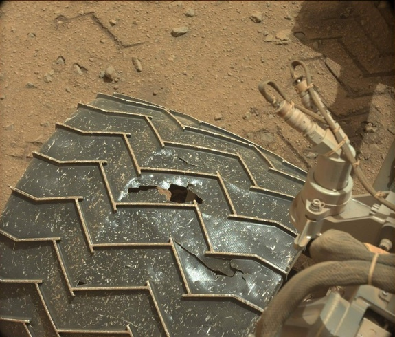 Evidence of a damaged wheel. (Credit: NASA/JPL-Caltech/MSSS)