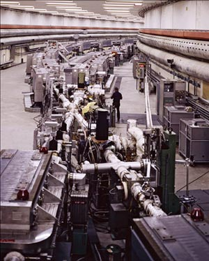 A 1974 photo of the part named Intersection 5 (I5) of the ISR of CERN's old PS, clearly shows the layout of the magnets and the crossing of the two beams pipes. (Credit: Salem)